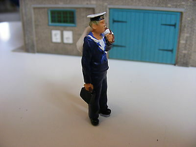 British Sailor with Kit Bag - 1:43 Finished Metal Figure