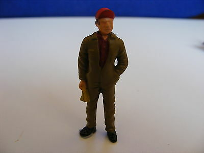 Garage Mechanic Holding Cloth- 1:43 Finished White Metal Figure