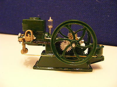 Ruston & Crossley Type Oil Engine - Crank Rotates  - 1:43 White Metal Model