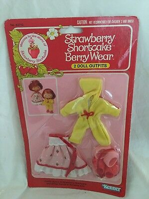 MIP 1982 Kenner Strawberry Shortcake BERRY WEAR Quick & Pretty With SHOES