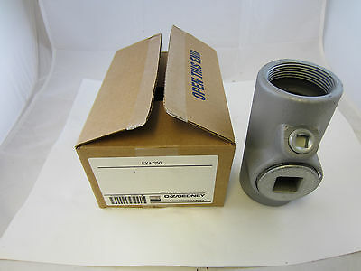 "Oz/gedney Eya250  2 1/2"" Explosion Proof Seal Off Eys Crouse Hinds  Eyf250"