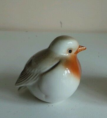 Hand Painted Bone China Winter Bird Robin Ceramic Figurine Ornament Home Decor