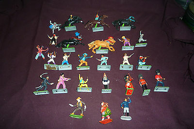 Vintage Britains Deetail Toy Soldiers Lot 26pcs Cavalry Cowboys Indians Soldiers