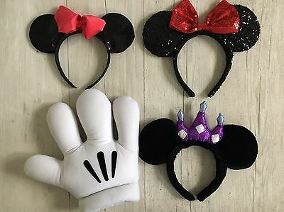 Lot of 4 Disney Disneyland Mikey Mouse Minnie head band ears Hand