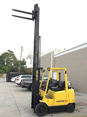 Hyster S80XLBCS 3 Stage Forklift Propane w/ Side Shift. 8000lb Capacity