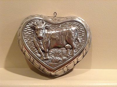 BEAUTIFUL 3-D HEART SHAPED CAST IRON COW JELLO MOLD W/HANGER Free Shipping