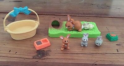 Vintage Littlest Pet Shop RABBIT Mommy and 4 Babies Base Grass FOOD  BASKET
