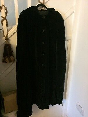 Vintage Black Velvet Cape Coat Size 14 16 18 20