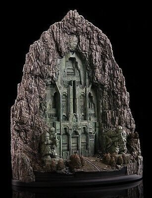 WETA The Hobbit Front Gate To Erebor Diorama Environment Lord of Rings Statue