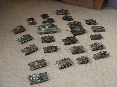 Collection Of 25 X Danbury Mint Pewter Metal Ww2 Tanks / Vehicles !!