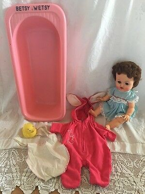 Ideal BETSY WETSY Bathtub RELIABLE Canada Doll Wardrobe Ducky