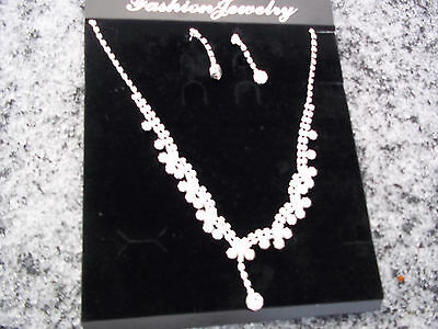 Stunning Necklace & Earrings set in Sterling Silver plated, Anti Allergenic