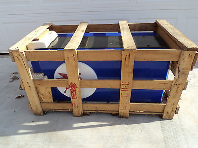 Mobil Pegasus EverBrite Electric Lighted Sign Rectangle Cube NEW IN CRATE!!!