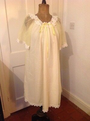 Vintage/ Retro1950's / 1960's Polka Dot Nightdress