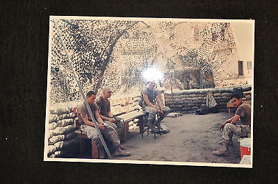 EARLY OPERATION IRAQI FREEDOM 1st ARMORED DIVISION PHOTO - SOLDIERS UNDER NET