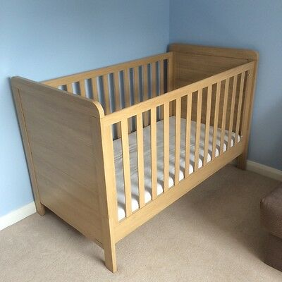 Mamas and papas Cot Bed to Junior Bed with Mattress