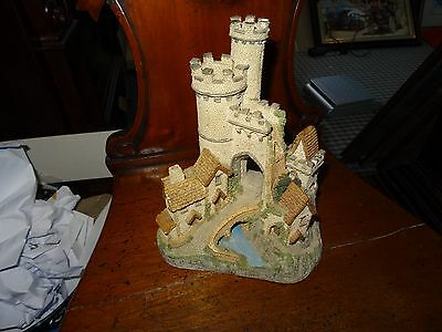 LILLIPUT LANE - THE CASTLE GATE-by DAVID WINTER-Hand painted