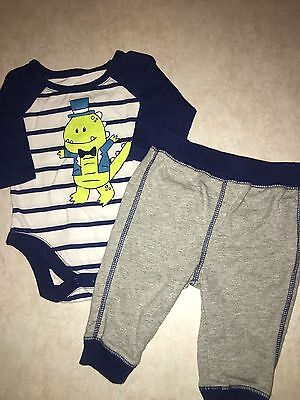 Baby Boys Size 0-3 Months Children's Place Green Dinosaur Outfit Top Pants Winte