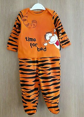 Baby Boys Tigger Pyjamas Outfit   Age 6-9  Months