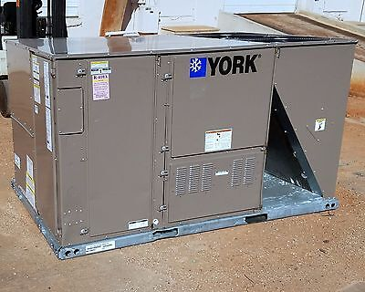 York Packaged 10 Ton Heat Pump Air Conditioning Unit, 460V - New 189