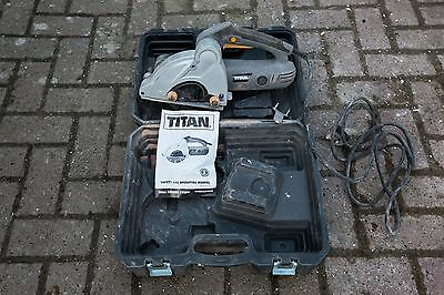 Titan Wall Chaser Power Tool Chisel Cutting Guide Wheel WITH 2x Blades AND CARRY