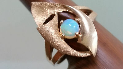 Vintage 14K Yellow Gold Natural Opal Ring Size 7.5