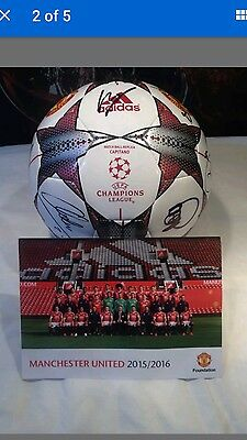 signed manchester united ball