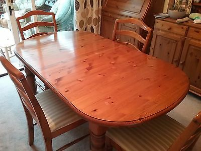 dining table pine with four chairs