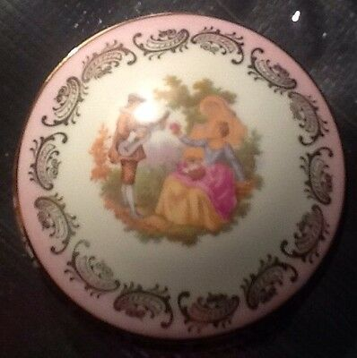 Limoges Porcelain 'Courting Couple/Lovers' Trinket Box