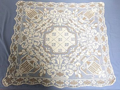 Vintage Linen Lace Table Cloth 31 Inches Square / Collectable /off White Beige