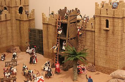 King Country Crusaders Knights Castle Ancient City Toy Soldiers  Britains