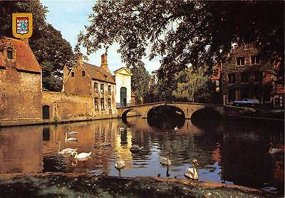 Belgium Brugge Ingang Begijnhof Entrance to The Beguinage Birds Bridge Car