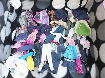 BRATZ Doll ~ BUNDLE Lot LOTS of CLOTHES