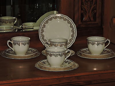 Vintage ALFRED MEAKIN England Scallop Rim Gold Pattern Trio Set - Cups & Saucers
