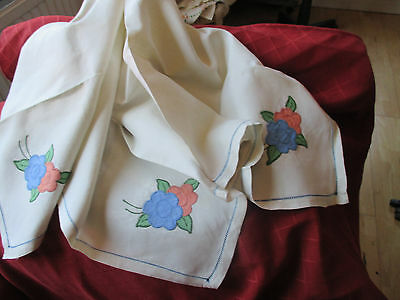 1930s applique linen tablecloth and 4 napkins