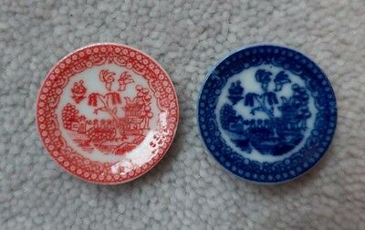 Dolls house willow pattern china plates, red and blue, x2