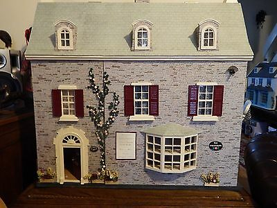 nice dolls house shop with spacious accommodation  3 floors 7 rooms1.12th