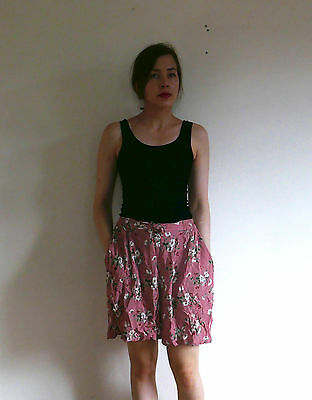 Vintage floaty pink high waist floral shorts 12