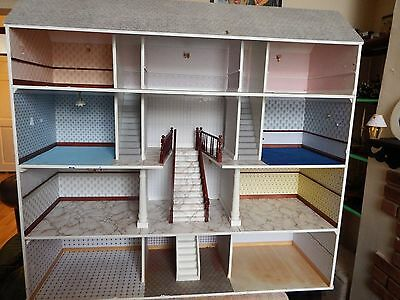 dolls house mansion with 10 room and central starcase no front 1.12th