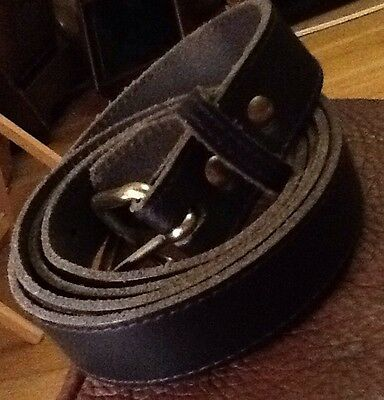Dark Navy Leather Belt With A Gold Buckle