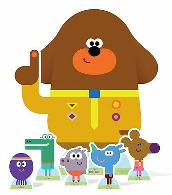 Hey Duggee and  The Squirrel Club Cardboard Cutout Set includes 6 characters