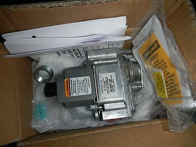 """Cleveland 22228 Gas Valve, Electronic Ignition. Honeywell  VR8305P3206   """"NEW"""""""