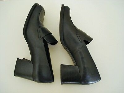Vintage chunky dark navy leather shoes with block heels size 37