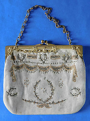 c. EARLY 1800s ANTIQUE GOLD METAL FRAMED AND EMBROIDERED KID LEATHER PURSE /BAG