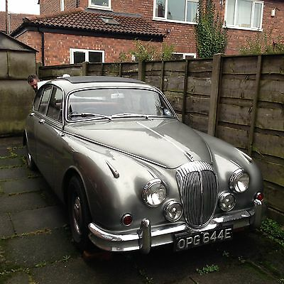 1967 DAIMLER V8 250 AUTOMATIC - SILVER/GREY - A True Classic of It's Era