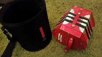 Hohner Concertina D40 Squeeze Box With Carry Case 20 Button Very Good Condition