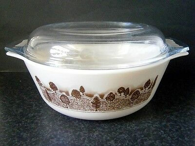 RETRO VINTAGE ENGLISH PYREX GLASS 2L CASSEROLE DISH with CLEAR GLASS LID