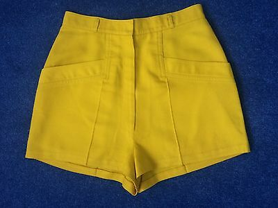 Stunning Women's vintage high waisted shorts