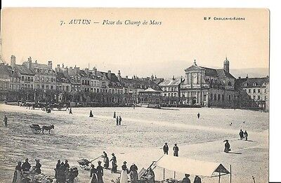 71 - AUTUN - Place du Champ de Mars - CPA animée
