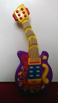 The Wiggles singing and dancing guitar-rare toy with an  original cast